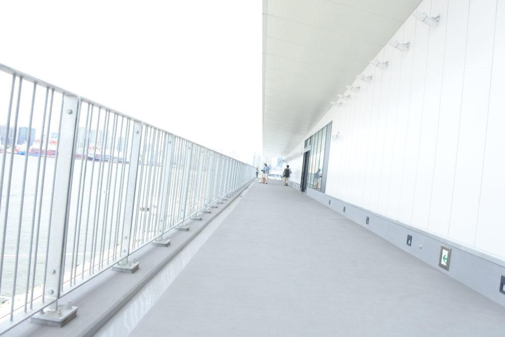 東京国際クルーズターミナルデッキ